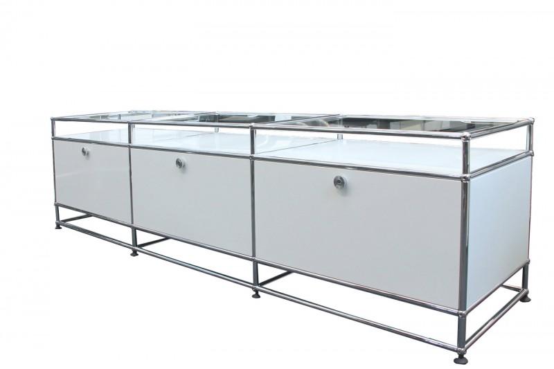 USM Haller TV-Board / Lowboard mit Glastablaren Reinweiß RAL 9010