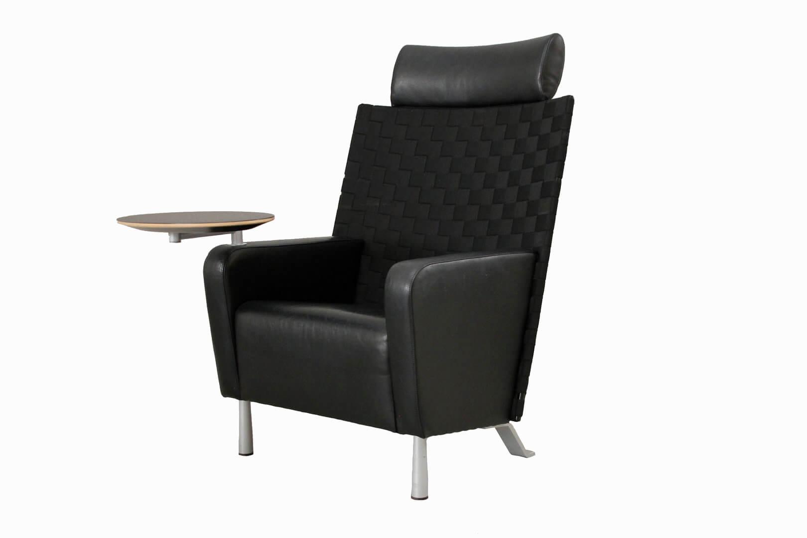 dietiker sessel mit schwenkbarem tisch leder schwarez sonstige designklassiker. Black Bedroom Furniture Sets. Home Design Ideas