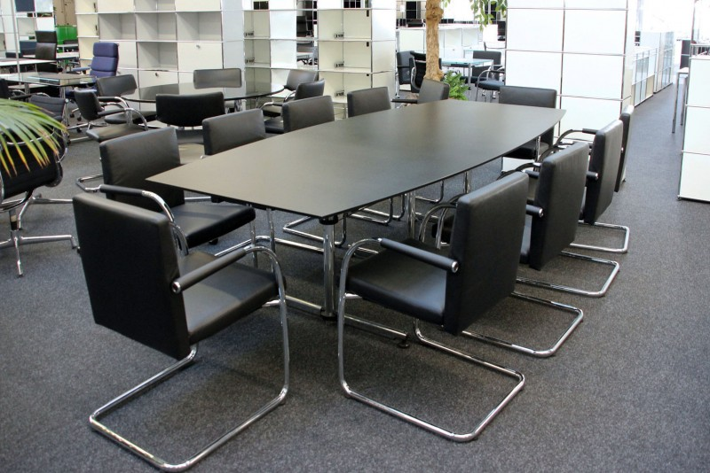 USM Kitos Conference Table Synthetic Resin / Black 280 x 125 cm