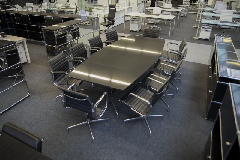 Vitra Konferenztisch Granit / Schwarz 270 x 125 cm