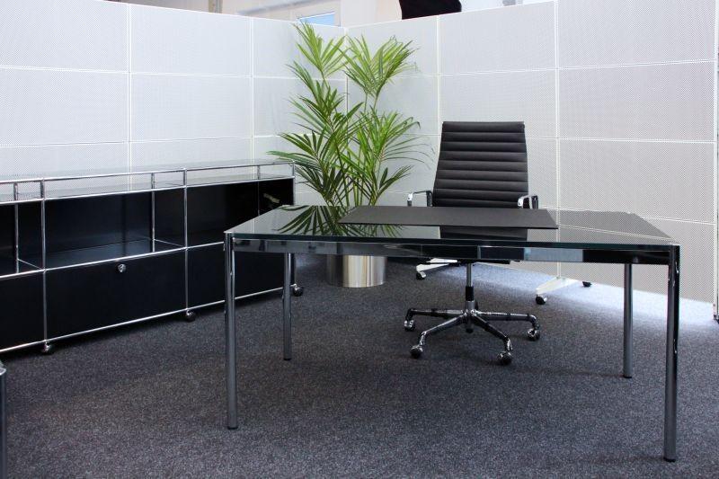 USM Haller Schreibtisch Glas / Schwarz 150 x 75 cm