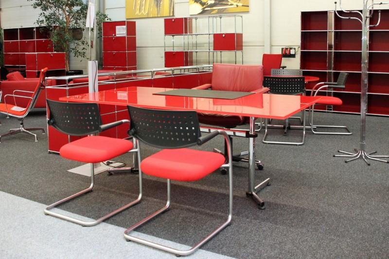 USM-Kitos Schreibtisch Glas / Rot 200 x 100 cm