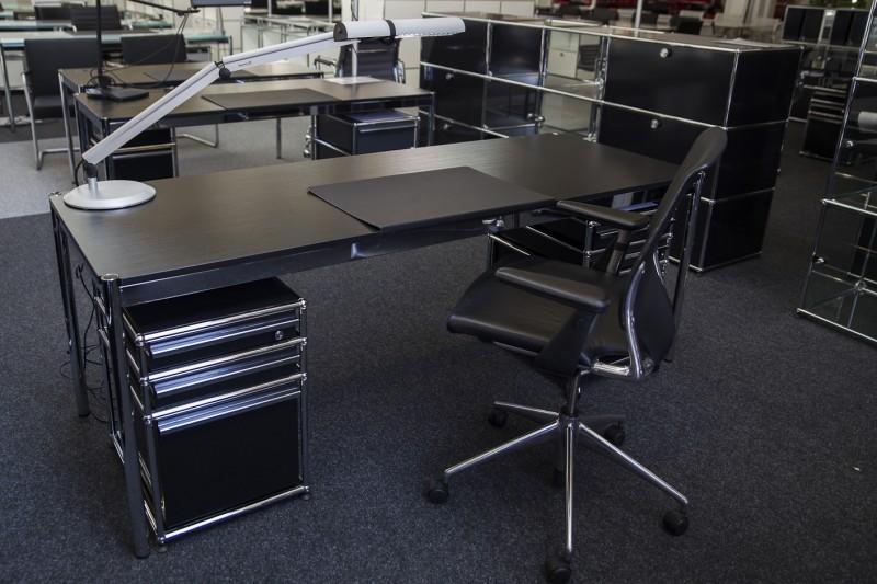 USM Haller Schreibtisch Holz / Schwarz 200 x 75 cm