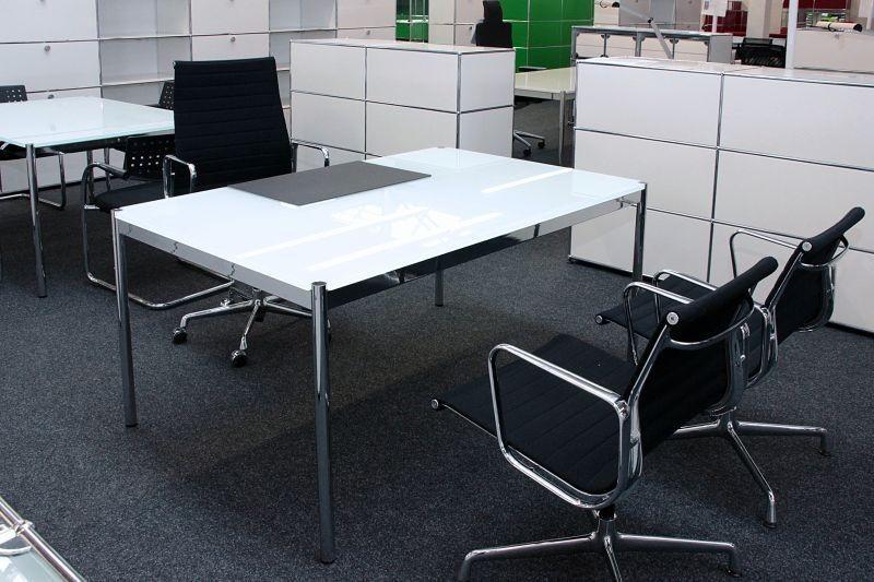 USM Haller Schreibtisch Glas / Weiß 150 x 100 cm