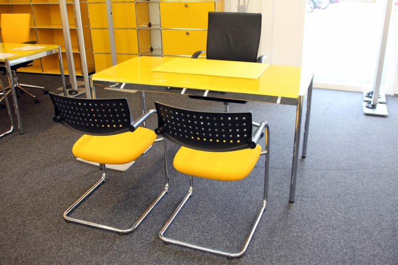 USM Haller Desk Glass / Yellow 150 x 75 cm