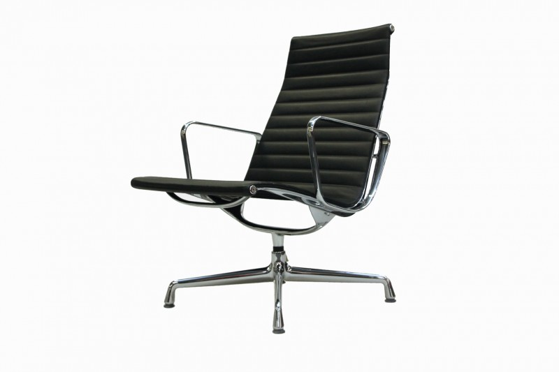 Vitra Aluminium Group Chair EA 115 Leder / Schwarz