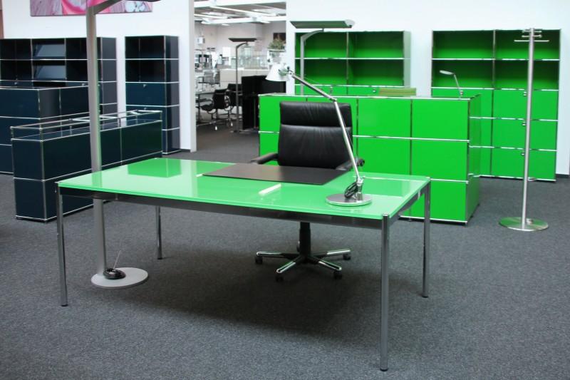 USM Haller Schreibtisch / Konferenztisch Glas / Grün 200 x 100 cm