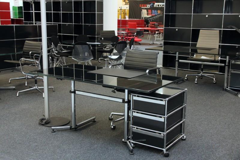 USM Kitos Schreibtisch Glas / Schwarz 160 x 80 cm