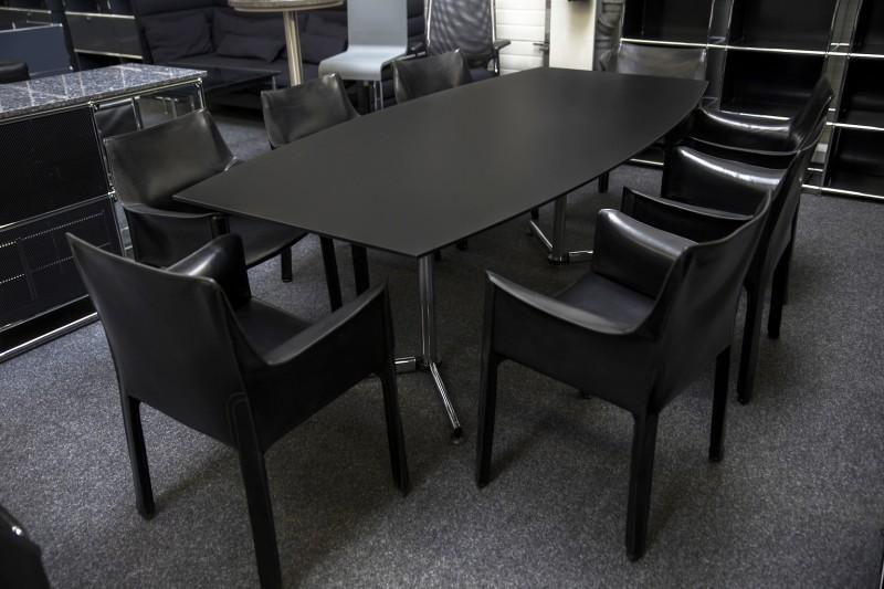 Konferenztisch mit USM-Kitos Gestell Kunstharz / Schwarz 220 x 105 cm