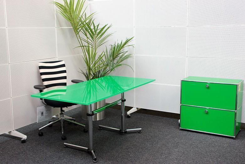 USM Kitos Schreibtisch Glas / Grün 160 x 80 cm
