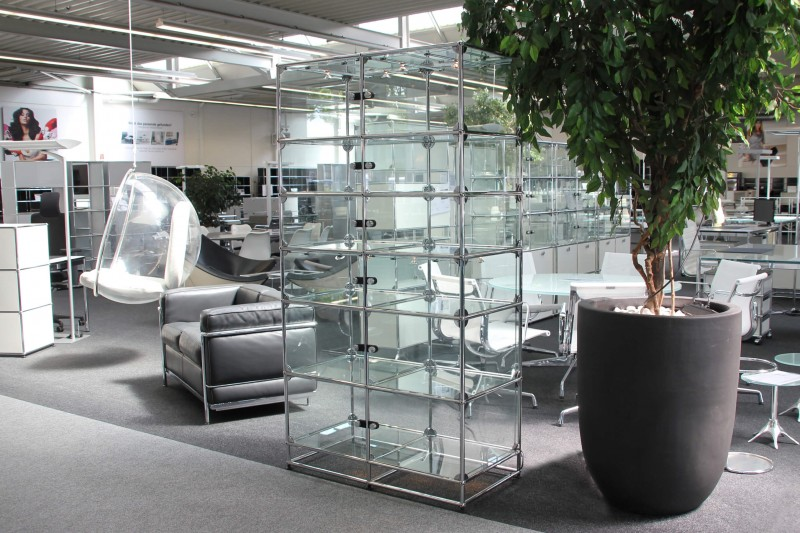 USM Haller Glass Cabinet / Wall Shelf