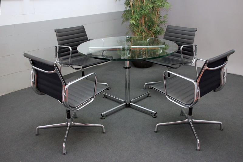 USM Kitos Conference Table / Clear Glass Ø 110 cm
