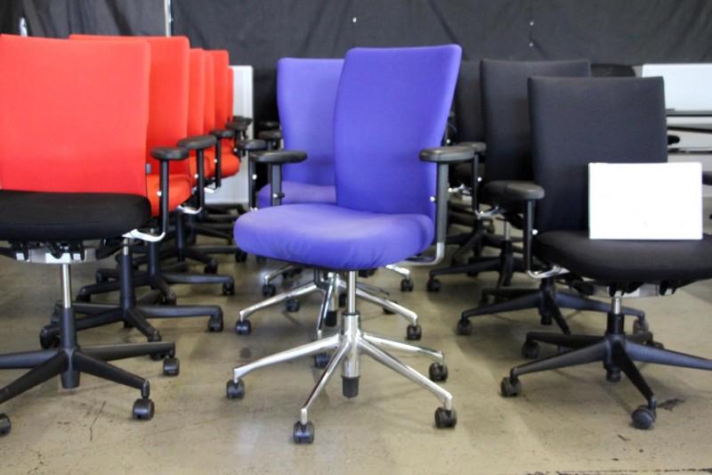Vitra T-Chair Bürodrehstuhl Stoff / Blau