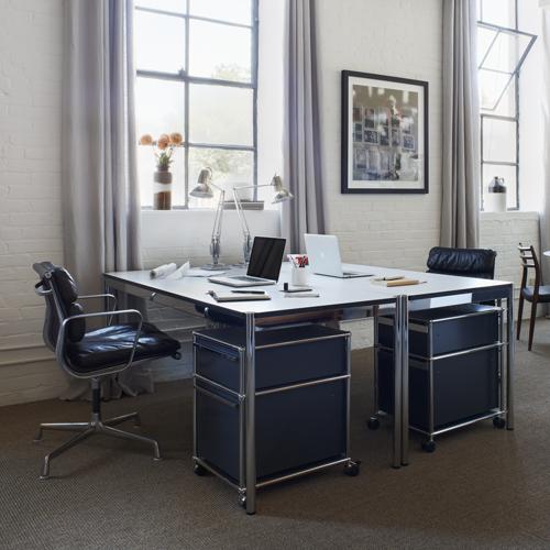 USM-Haller-Schreibtisch-mit-Rollcontainer