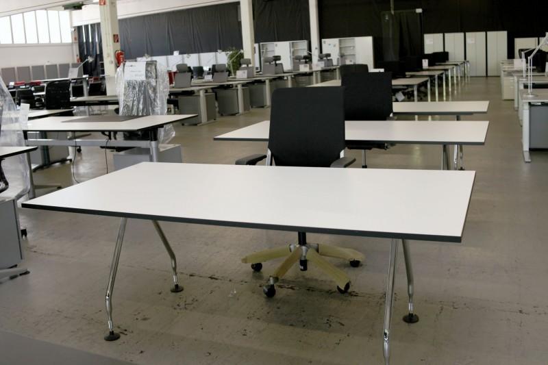 Schreibtisch arbeitsplatz for Buro design bonn
