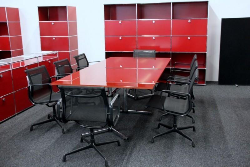 USM-Kitos Konferenztisch Glas / Rot 240 x 120 cm