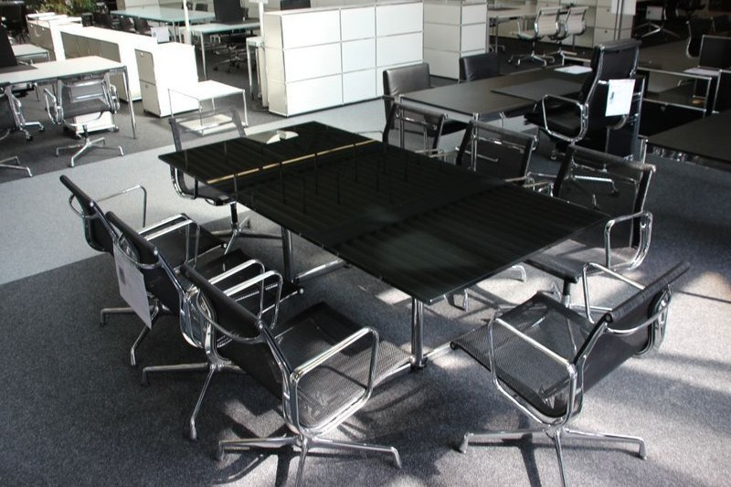 USM Kitos Conference Table / Glass black / 200 x 100 cm