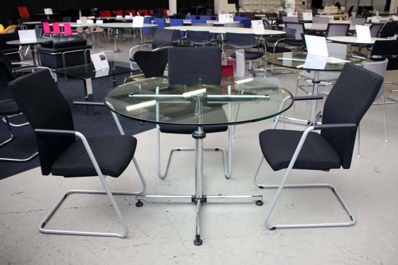 USM-Kitos Konferenztisch Klarglas Ø 110 cm