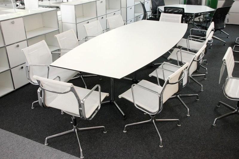 Konferenztisch mit USM Kitos Gestell Kunstharz / Weiß 280 x 125 cm
