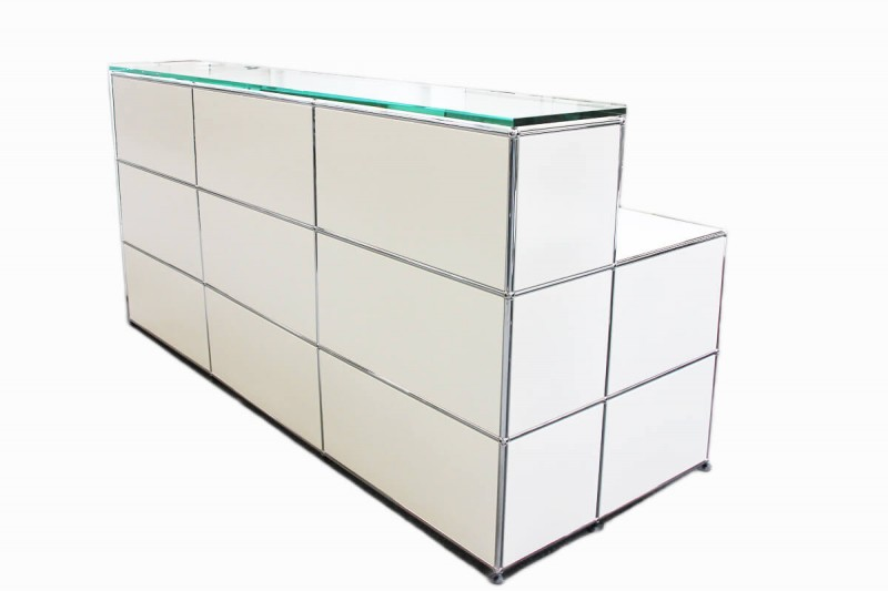 USM Haller Counter with Integrated Workstaion with Glass Top Pure White RAL 9010
