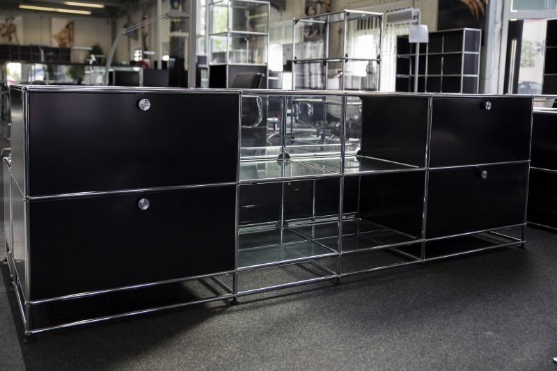USM Haller Sideboard mit Glasfächern Graphitschwarz RAL 9011