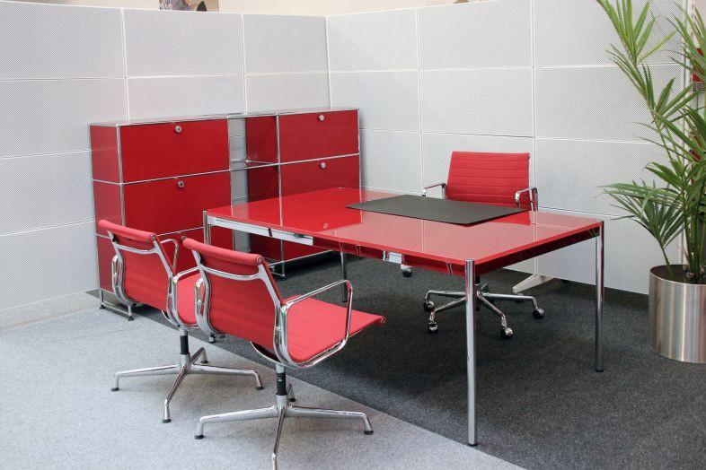 USM Haller Desk Glass / Red 175 x 100 cm